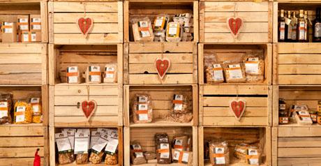prodotti bio - pasta - biscotti - olio -