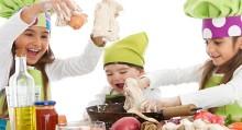 Cucinare con i bambini fa bene alla famiglia verdecologia - Cucinare coi bambini ...