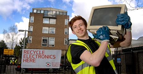 Scuola green ad assisi riciclatori incentivanti di raee for Contributo raee