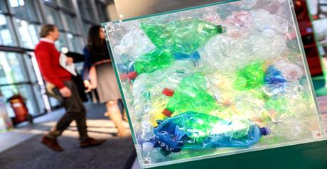 Ecomondo - bottiglie plastica - rifiuti - riciclo