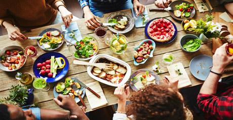 tavolo-ristorante-cibo
