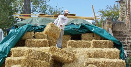 Case a risparmio energetico la tecnica di 39 filo di paglia for Piani di casa di balle di paglia di struttura in legno